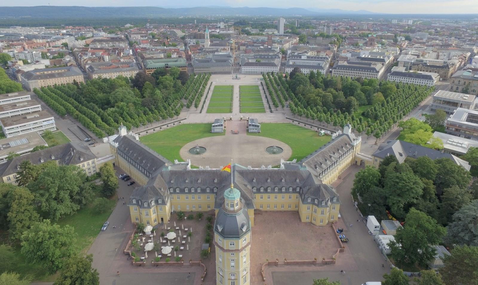 Notar Karlsruhe Schloss